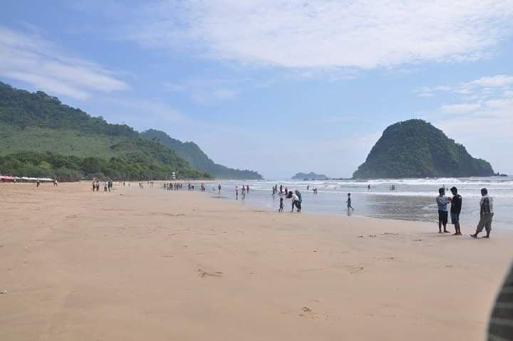 indonesie krastique plage indonesie plage couche de soleil recit voyage surf lewis barbette louis champenois